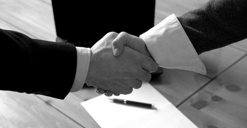 imoniu teise, akcininku sprendimai, prekes zenklo registravimas, advokato paslaugos įmonių teisė, akciju pirkimar pardavimas